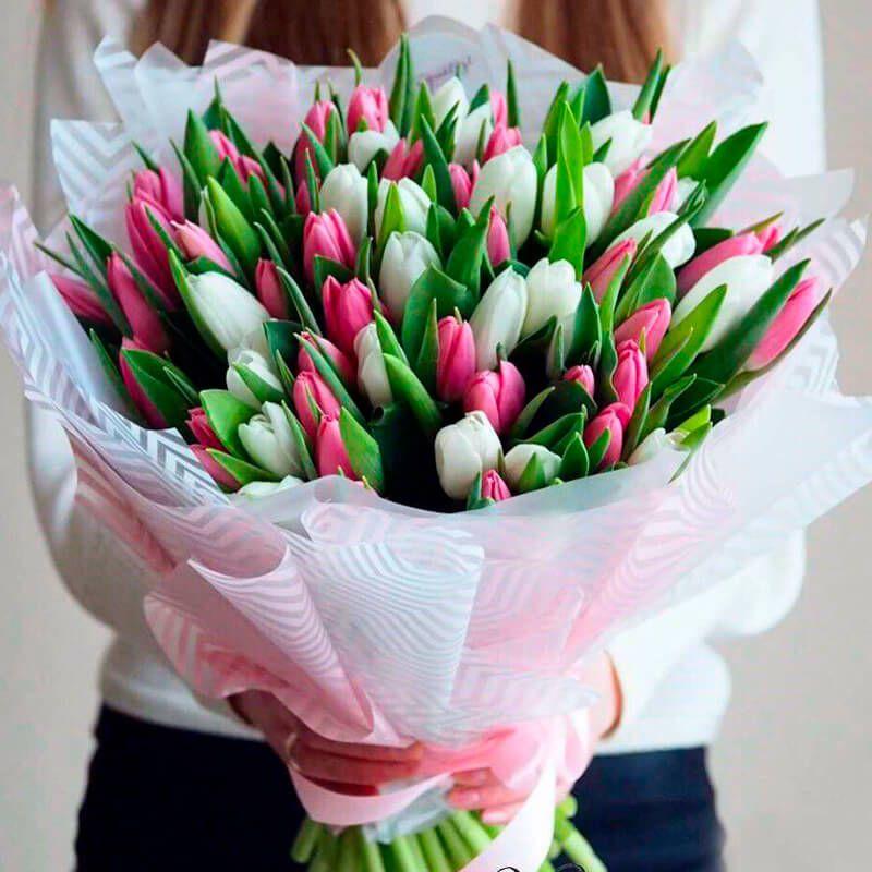 Заказать букет цветов можно даже ночью